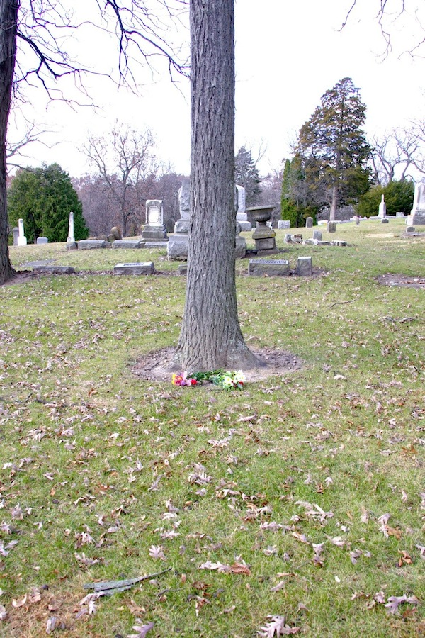 Frank and Cora's burial plot